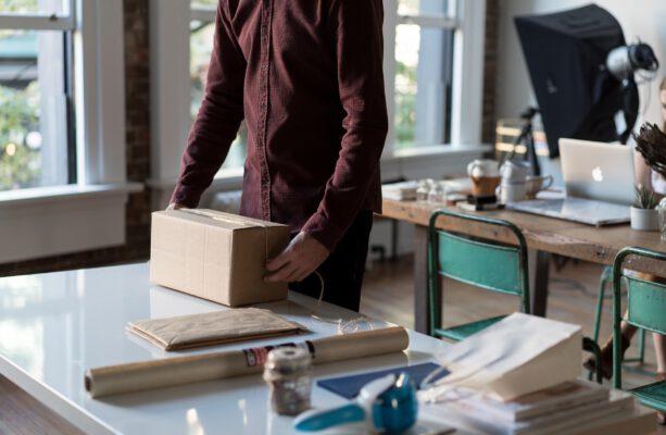 Prowadzisz firmę, masz obowiązek wysyłać paczki? Sprawdź najlepszą ofertę