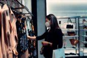 Co cztery lockdowny zrobiły ze sprzedażą ubrań w sieci? Analiza Shopera